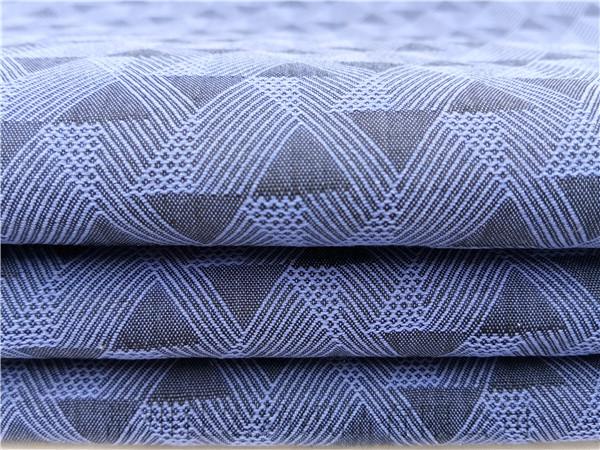 为定制更精美的大提花面料,韩国客户千里相会佳宏纺织